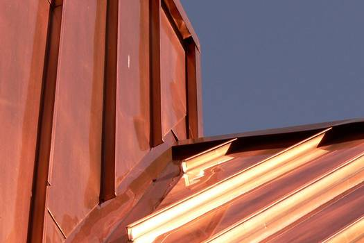 Metal Roofs: 5 Tips to Safeguard Against Rust and Harsh Elements