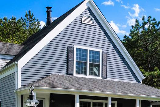 Natural slate roofing vs traditional tile roofing