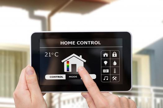 Verizon Home Monitoring vs Protect America home security systems