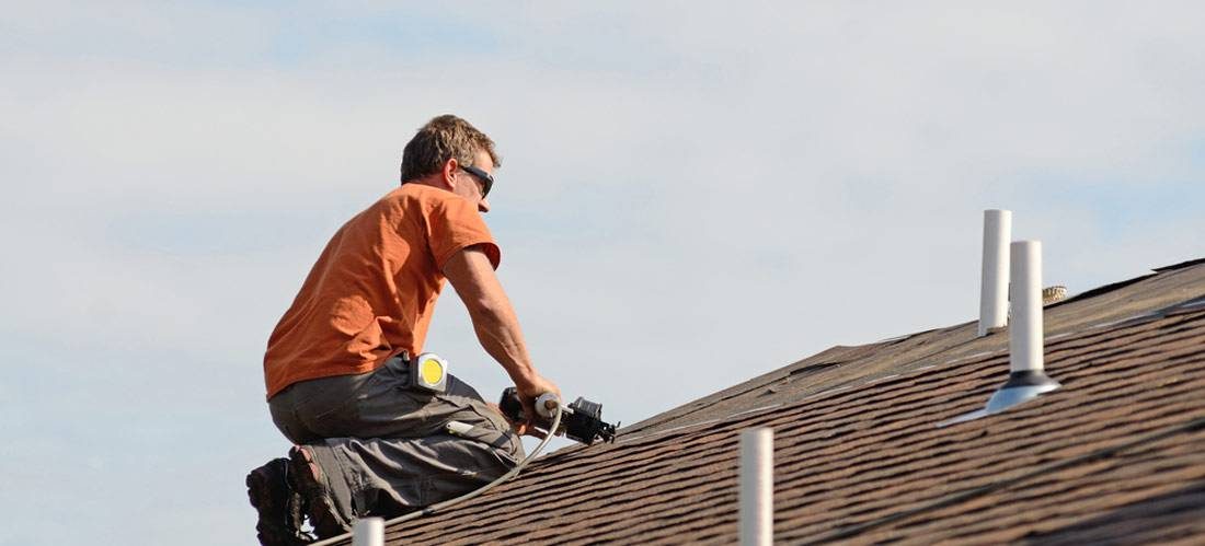 Finding-BBB-accredited-roofing-contractors-to-install-asphalt-shingle-roof