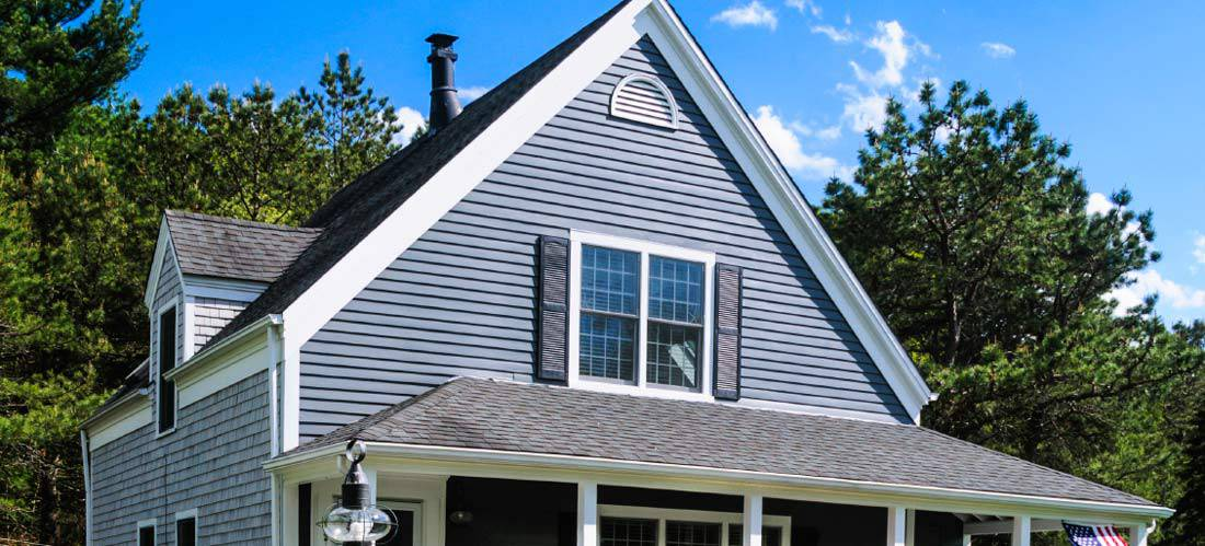 Natural-slate-roofing-vs-traditional-tile-roofing