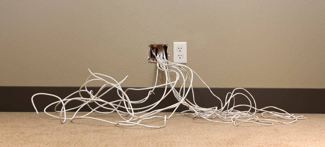 Replace-the-old-wiring-in-your-home